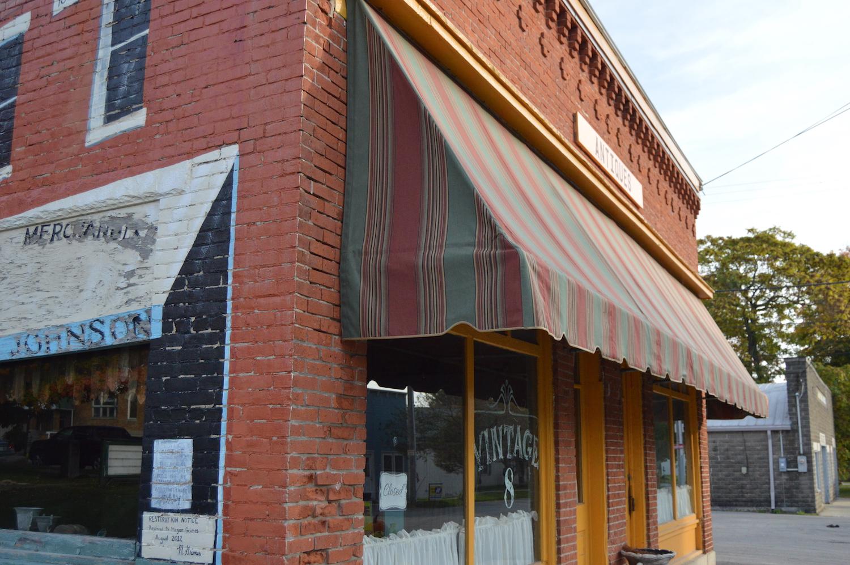 mtvictorybank-antique-store